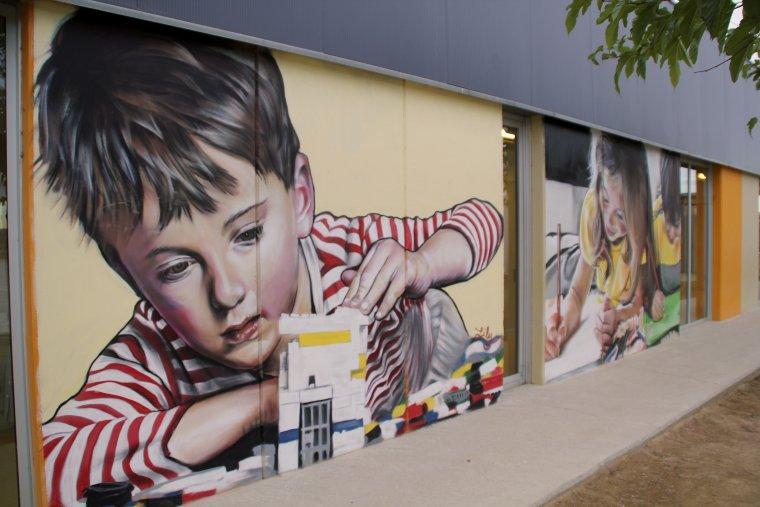 Els grafits són de Lily Brik.