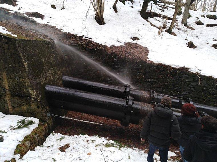 Imatge de la fuita d'aigua d'aquest diumenge.