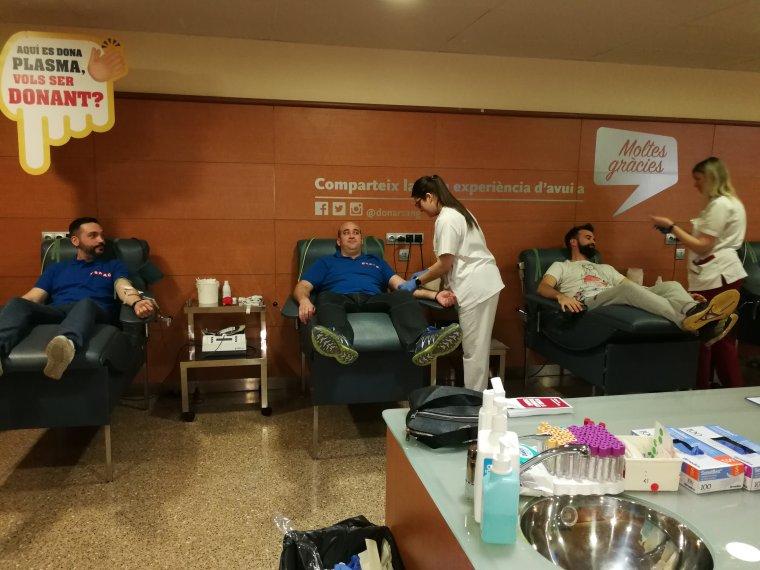 Imatge del moment de la donació