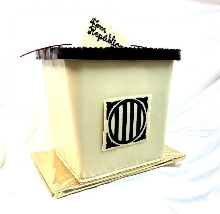 L'urna de xocolara de la pastisseria d'Arbeca