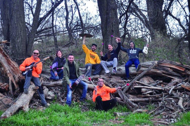 Una altra imatge del grup al complet