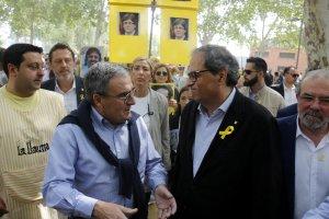 Pla obert on es pot veure el president de la Generalitat, Quim Torra, conversant amb l'alcalde de Lleida, Àngel Ros, a l'Aplec del Caragol