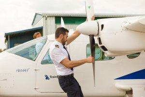 Un dels estudiants del centre d'entrenament aeronàutic BAA Training
