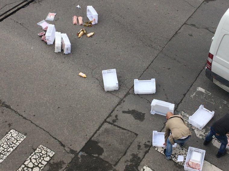 Les caixes en l'asfalt del carrer Centre de la Bordeta