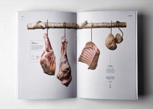 Imatge de dos pàgines del catàleg de Cal Tomàs premiat amb dos Laus