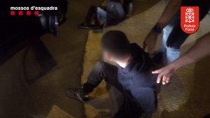 Un dels detinguts en l'operatiu de Mossos i Policia Foral de Navarra contra un grup especialitzat