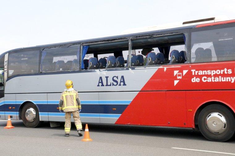 A l'autocar hi viatjaven una vintena de persones.