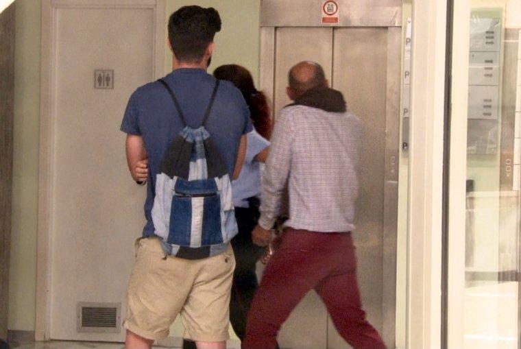 Imatge del detingut pel crim Acadèmia, passant a disposició judicial