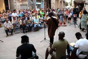 Concert a la plaça de la Paeria de Lleida per posar punt i final a la manifestació