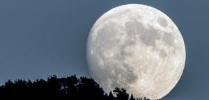 Imatge de la lluna des d'Esterri