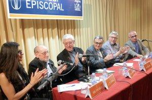 Imatge d'un homenatge a Víctor Pérez Pallarés al Col·legi Espicopal de Lleida.