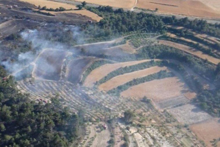 Imatge de l'incendi de vegetació de Ciutadilla des de l'helicòpter de comandament dels Bombers.