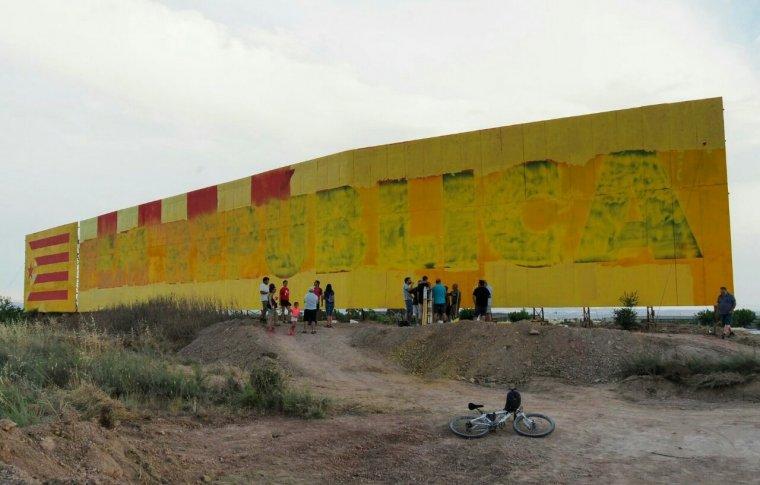 La Rubinada demana voluntaris per poder enllestir de nou el mural.