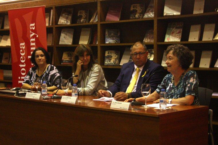 Pla general de l'acte de presentació de la 22a Fira del Llibre del PirineuPla general de l'acte de presentació de la 22a Fira del Llibre del Pirineu