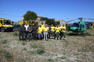 Pla general on es pot veure una imatge de grup d'Agents Rurals, ADF i GEPIF