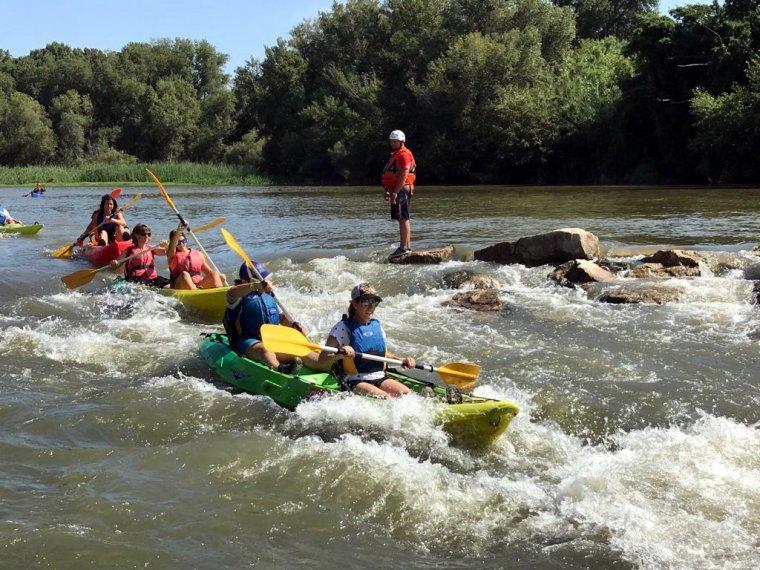 Imatge del descens en caiac pel riu Segre