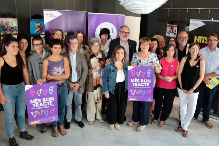 Imatge de la presentació de la campanya 'Més bon tracte' per sensibilitzar i prevenir conductes sexistes