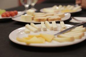 Pla de tall d'un plat de formatges