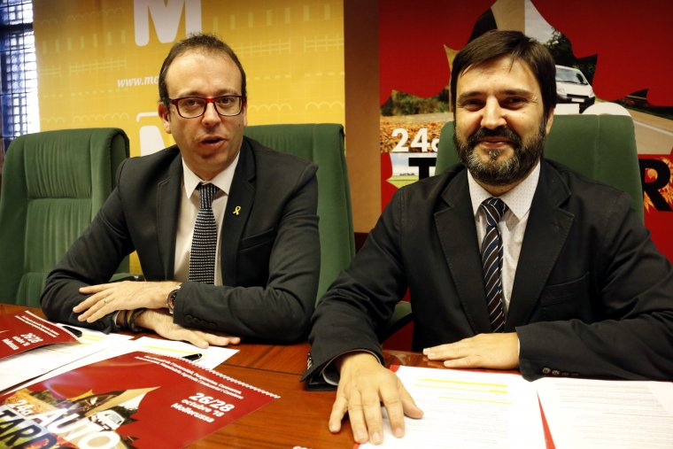Pla mitjà on es poden veure l'alcalde de Mollerussa, Marc Solsona, i el director de Fira de Mollerussa, Poldo Segarra