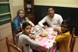 Pla general de la família de refugiats sirians