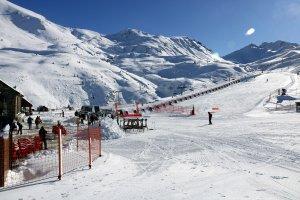 Pla obert on es pot veure les pistes d'esquí de Boí Taüll