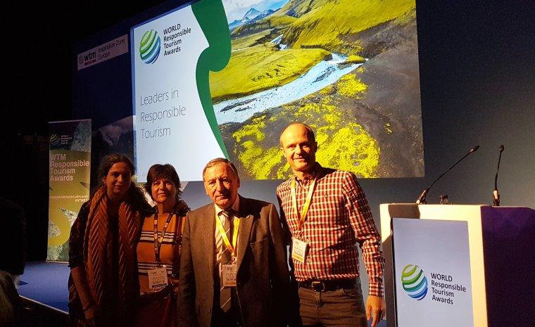 El president del Consell Comarcal del Pallars Jussà, Constante Aranda i representants del projecte El Cinqué Llac