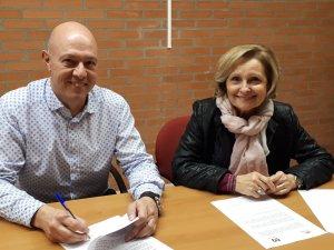 Imatge de la vicepresidenta d'AREMI, Neus Bernaus, i el president de la Fundació Orfeó Lleidatà, Antoni Soliva