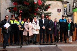 Imatge de l'alcalde de Lleida, Fèlix Larrosa, amb altres autoritats
