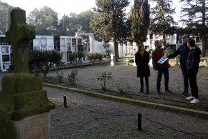 Pla obert on es pot veure la zona del cementiri de Bell-lloc d'Urgell