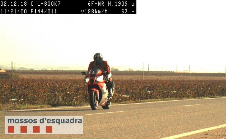 El conductor que circulava a 188 km/h a l'L-800 a Alcarràs