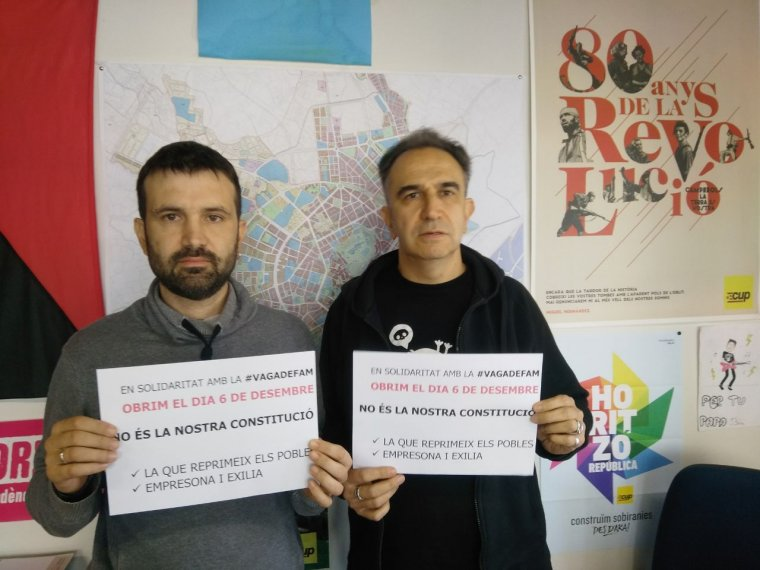 Imatge dels dos regidors de la Crida