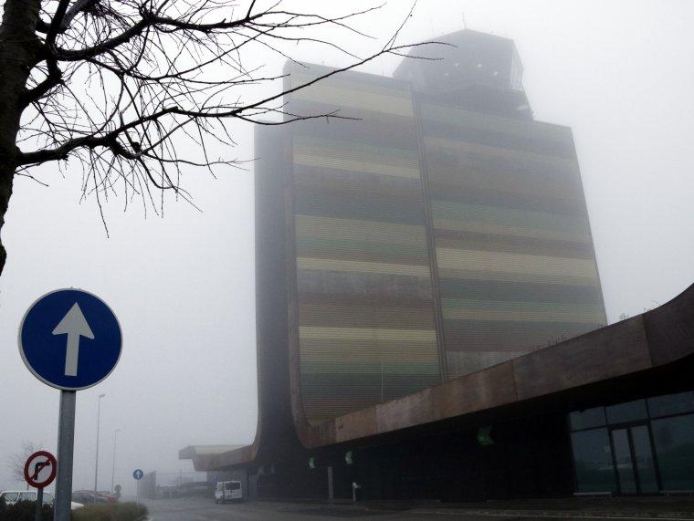 Imatge pla sencer de l'aeroport de Lleida-Alguaire on no hi ha hagut vols anglesos per la boira