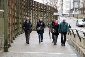 Alguns dels familiars arribant, el tercer dia de judici d'Aspa