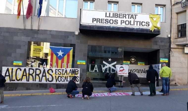 Els CDRs es tanquen a l'Ajuntament d'Alcarras.