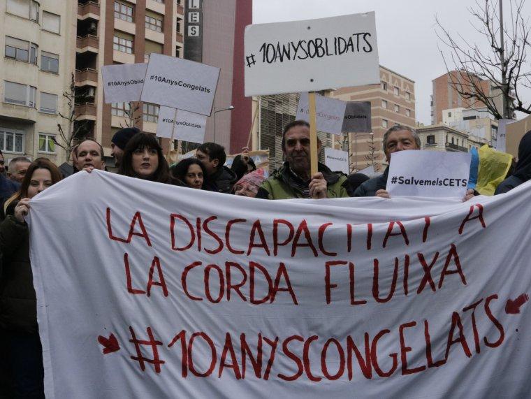 Manifestació pels drets dels discapacitats a Lleida