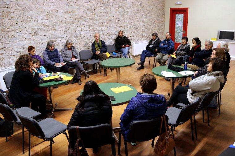 Pla general de la reunió informativa que ha fet l'Associació Lo Pedrís a veïns de Baix Pallars