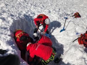 Rescat entre la neu dels esquiadors