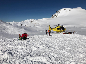 Rescat esquiadors en helicòpter