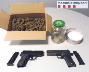 Les armes i la marihuana interceptada a un home de 39 anys veí de Guissona.