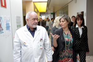 Pla americà de la consellera de Salut, Alba Vergés, visitant les instal·lacions de l'Hospital de Cerdanya amb el seu director, Francesc Bonet