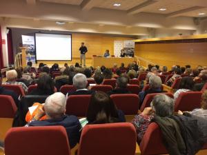 Ple absolut de la III Jornada per a persones amb càncer organitzada per l'AECC Lleida.