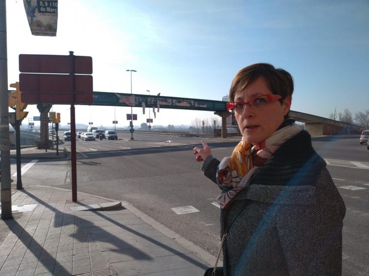 Ángeles Ribes al pont dels instituts