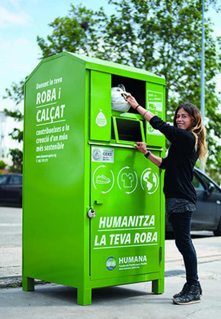Contenidor de reciclatge de roba
