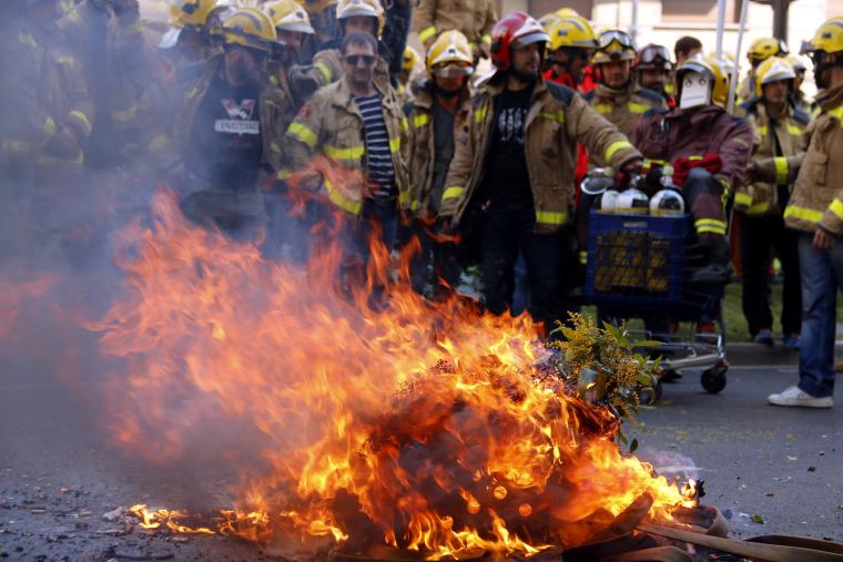 Protesta dels bombers a Lleida