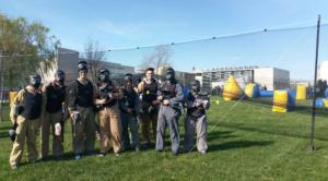 El 'paintball' és una de les activitats que repeteix al programa