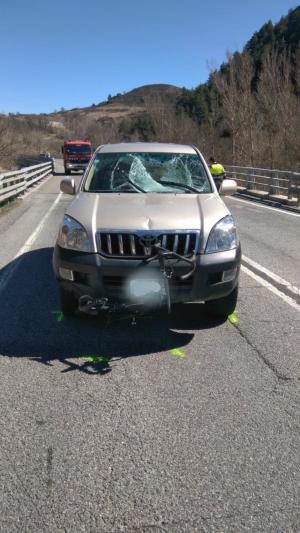 Imatge del cotxe que ha atropellat un ciclista