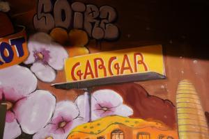 Part del mural pintat per l'artista francès Zeso WF
