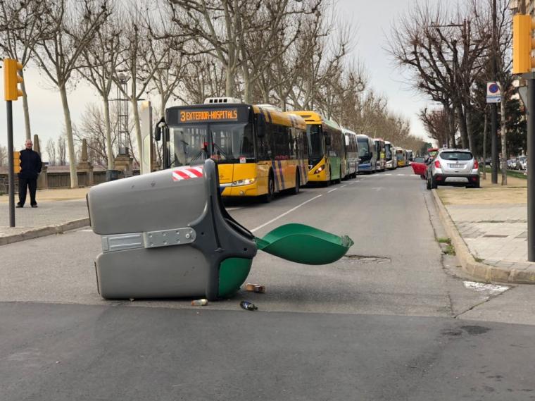 Els autobusos de Lleida no poden circular pels actes de la vaga del 8M a Lleida