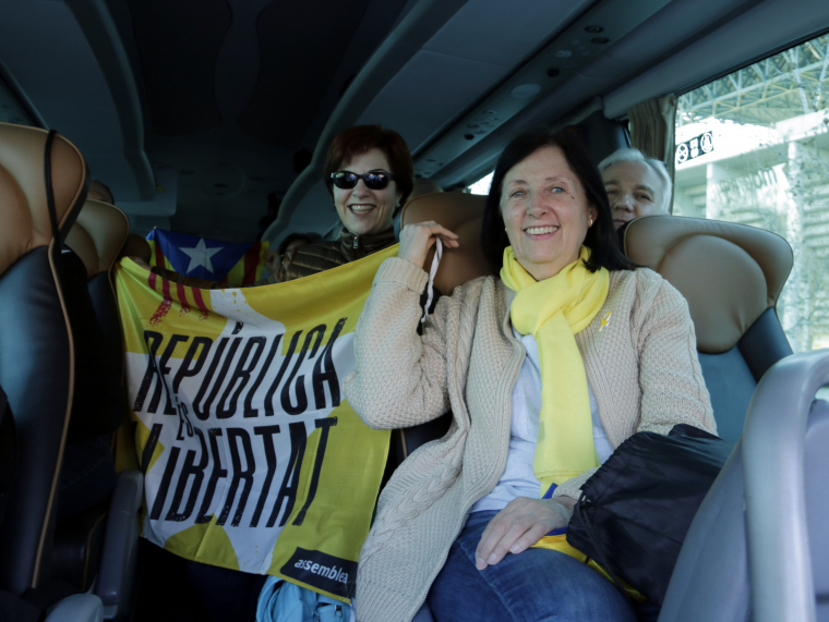 Imatge pla mig de dues manifestants
