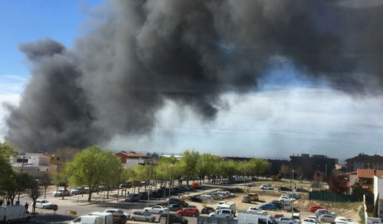 Columna de fum de l'incendi de Fondarella.